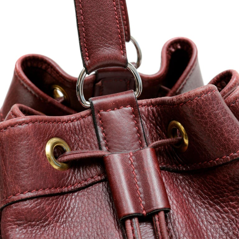 Hermes Bordeaux Leather Vintage Market Bucket Bag For Sale 4