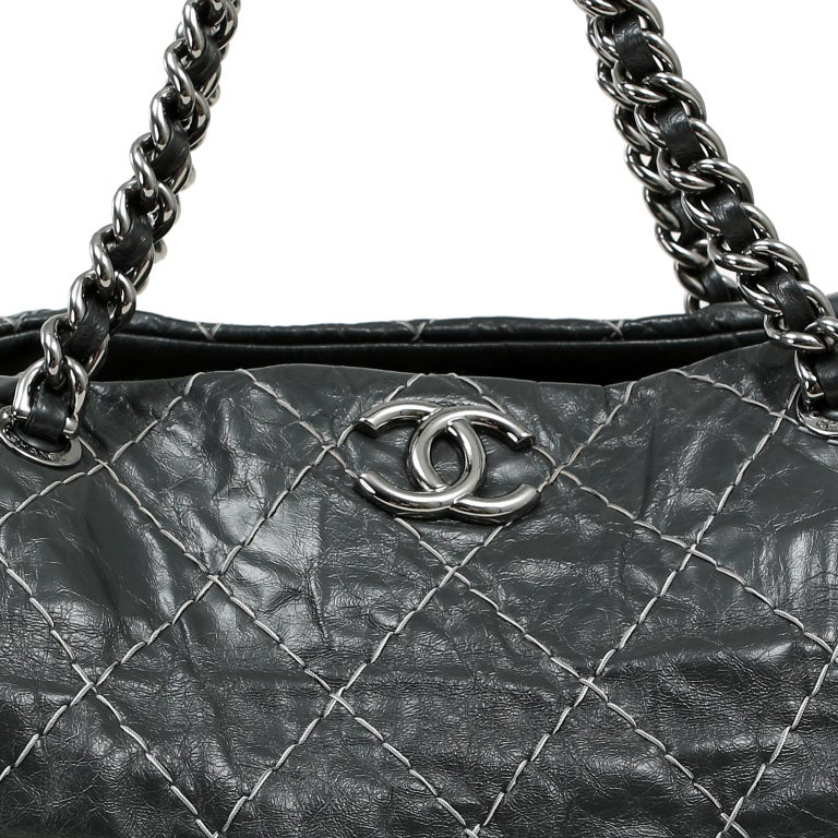Chanel Charcoal Grey Distressed Leather XXL Tote For Sale 2