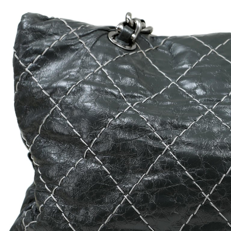 Chanel Charcoal Grey Distressed Leather XXL Tote For Sale 3