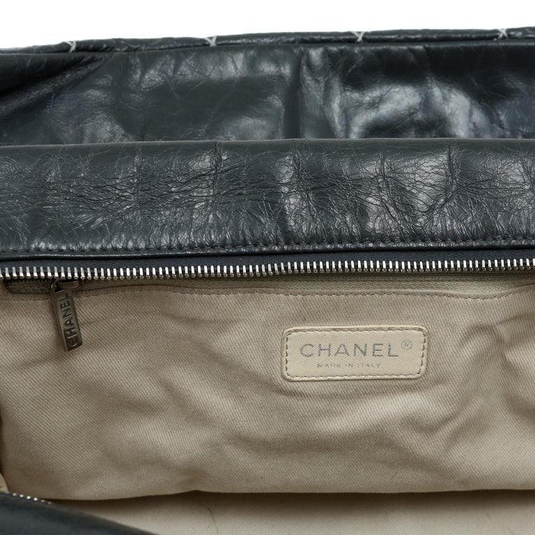 Chanel Charcoal Grey Distressed Leather XXL Tote For Sale 5