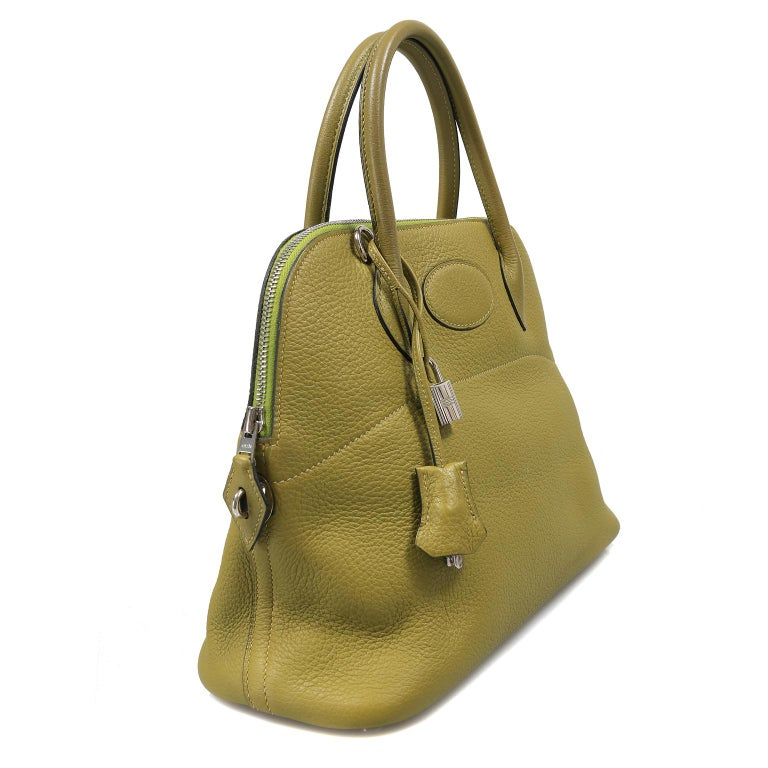 Hermes Vert Anis Clemence 31 cm Bolide Bag In Excellent Condition For Sale In Palm Beach, FL