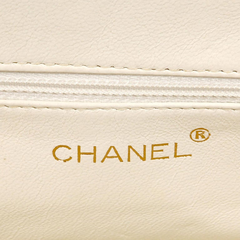 Chanel White Caviar Frame Top Bag For Sale 3