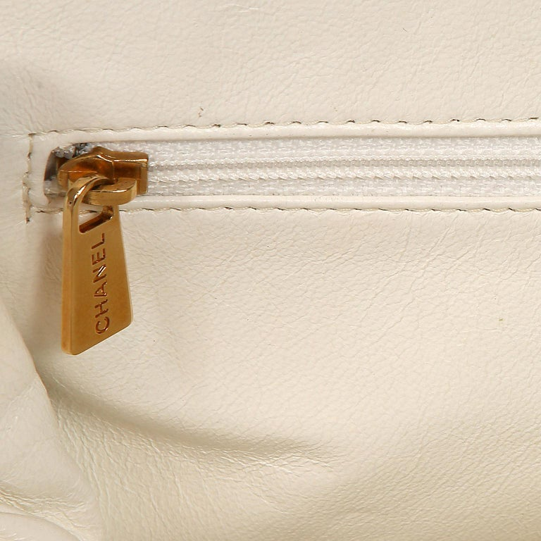 Chanel White Caviar Frame Top Bag For Sale 4
