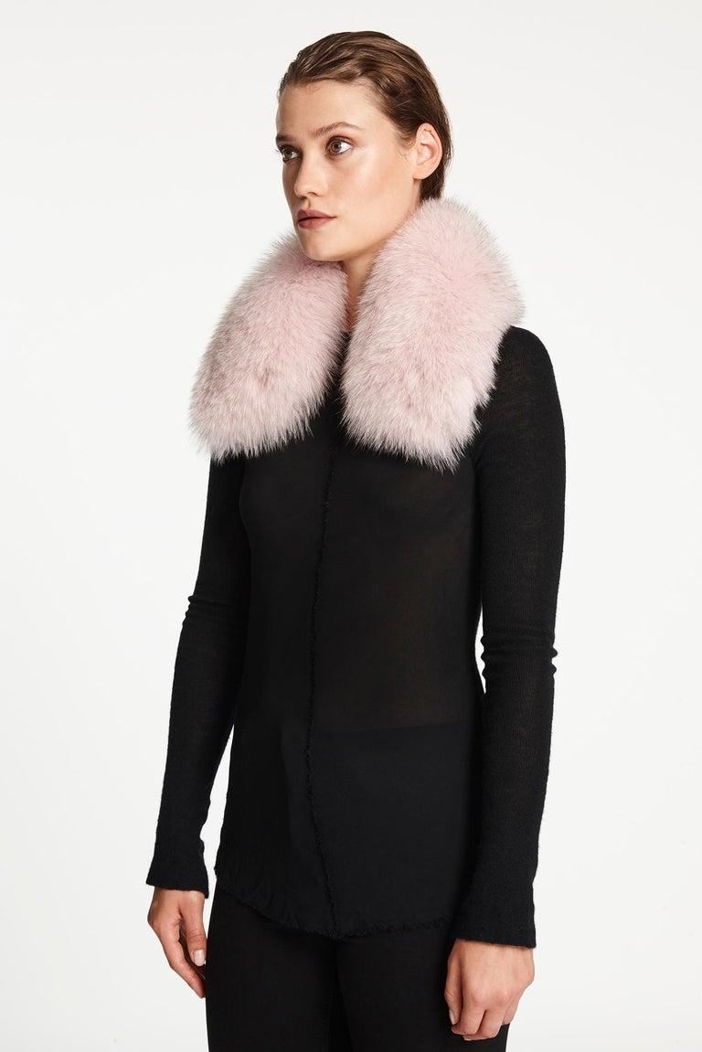 Women's or Men's Verheyen London Peter Pan Collar in Pastel Rose Pink Fox Fur and lined in silk