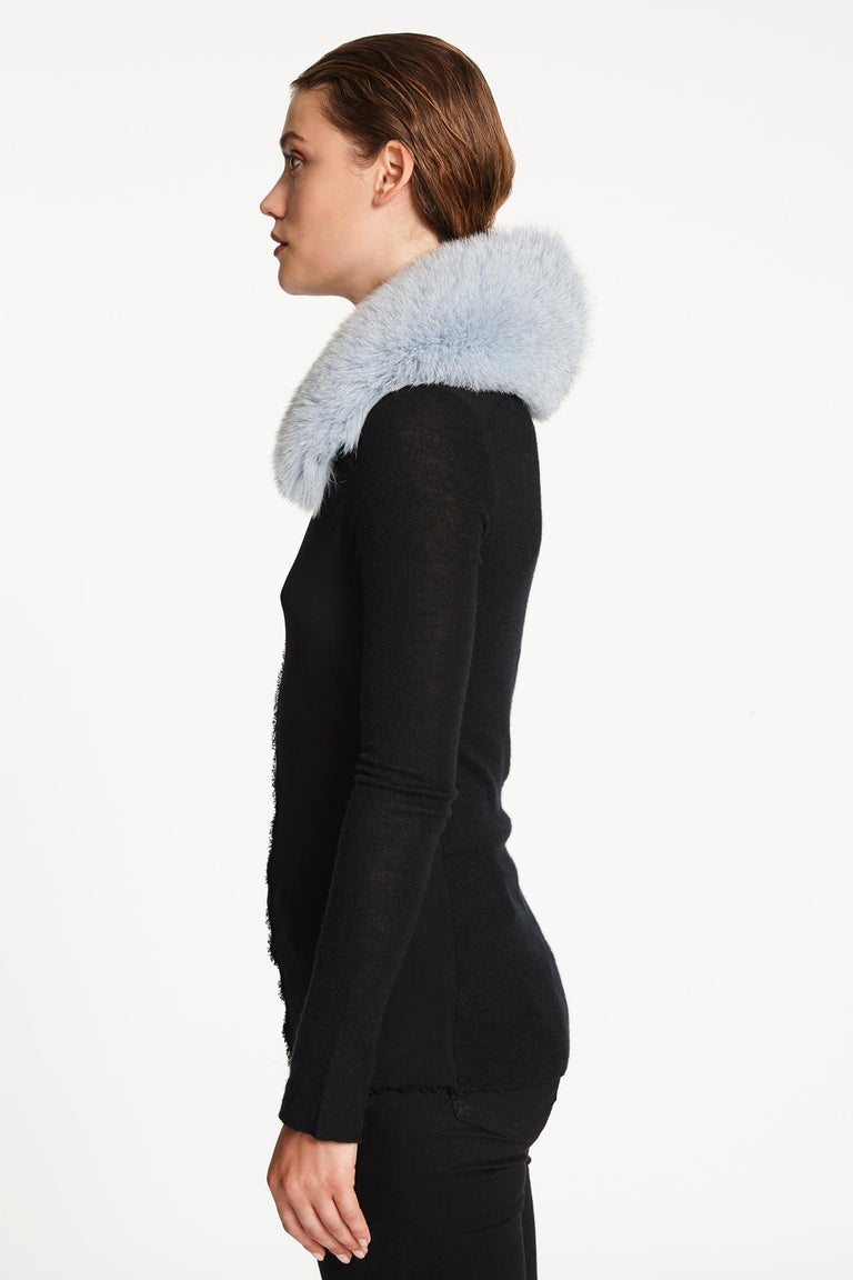 Verheyen London Peter Pan Collar in Iced Blue Fox Fur & lined in silk  In New Condition For Sale In London, GB