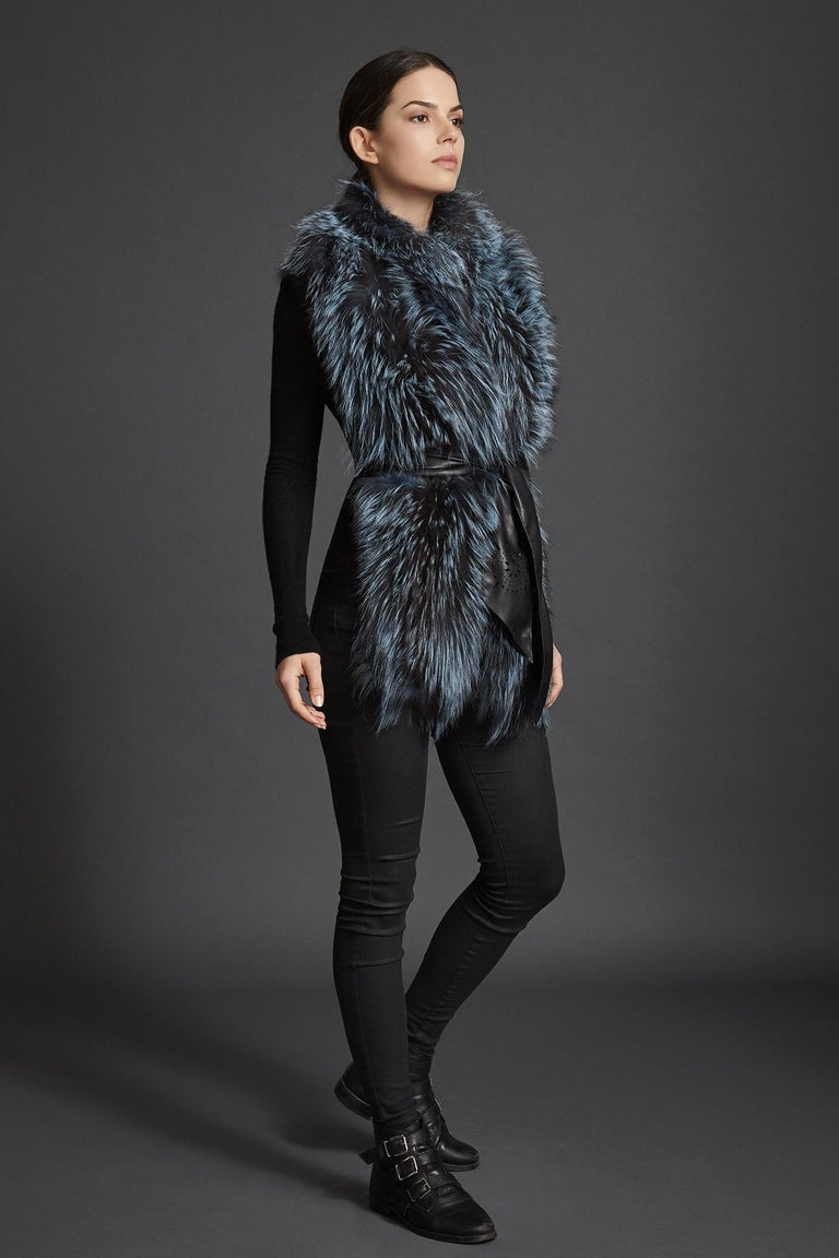 Verheyen London Nehru Collar Stole in Soft Blue Fox Fur & Silk Lining For Sale 4