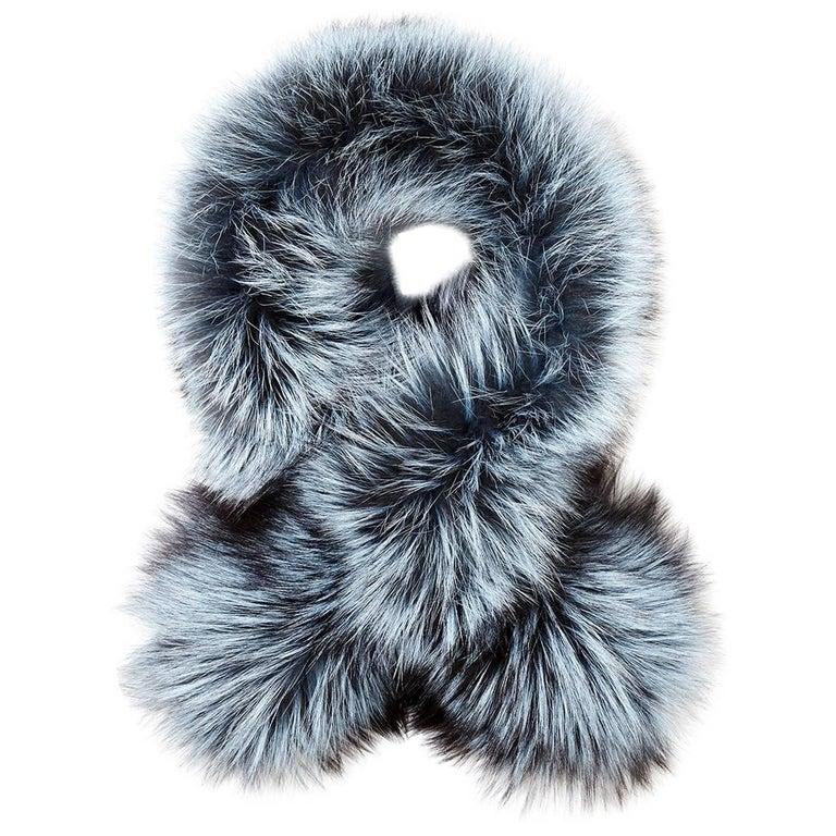 Verheyen London Lapel Cross-through Collar in Iced Topaz Fox Fur  For Sale