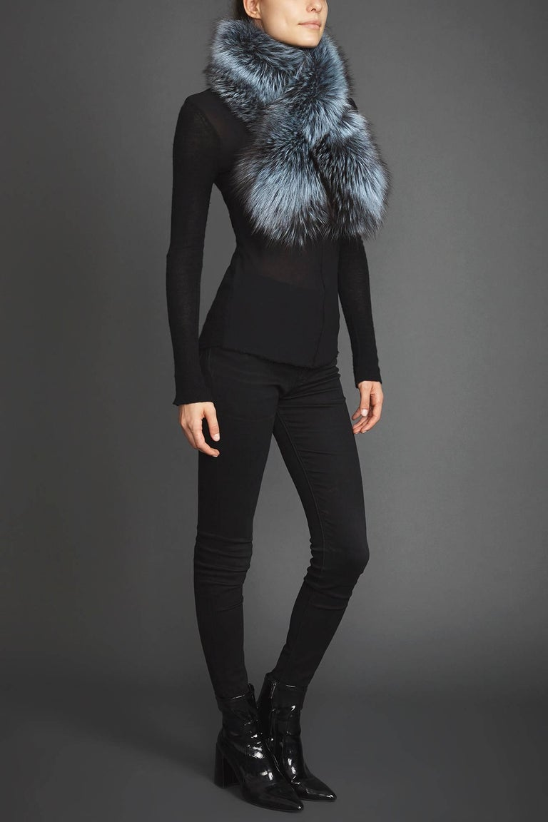 Verheyen London Lapel Cross-through Collar in Iced Topaz Fox Fur  In New Condition For Sale In London, GB