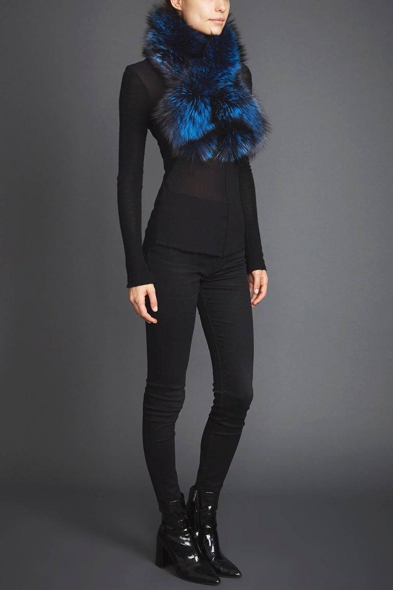 Verheyen London Lapel Cross-through Collar in Sapphire Fox Fur & Silk Lining For Sale 1
