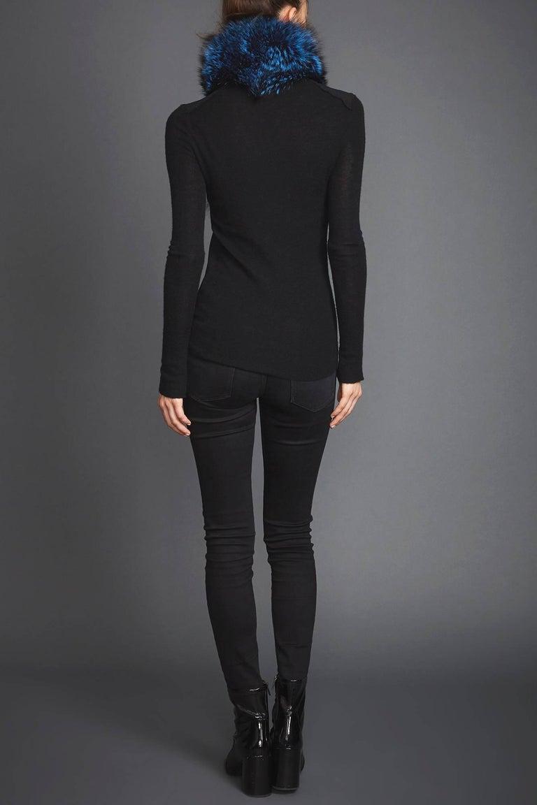 Verheyen London Lapel Cross-through Collar in Sapphire Fox Fur & Silk Lining For Sale 2