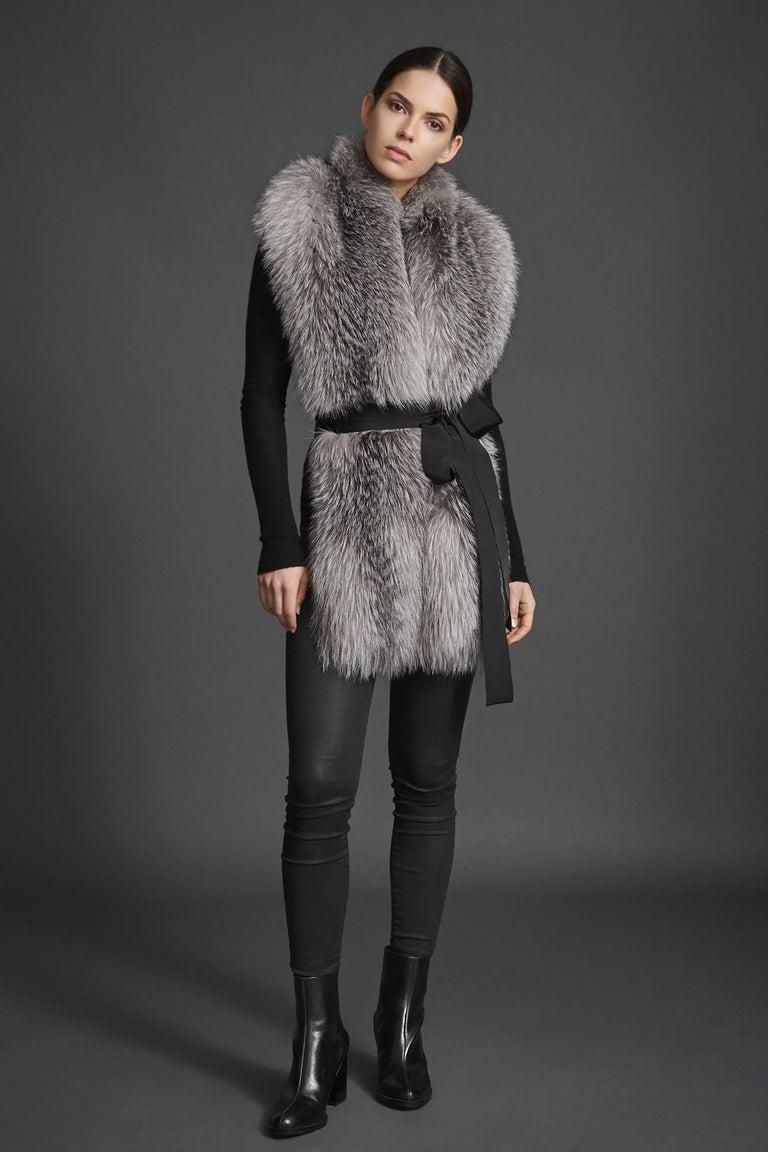 Black Verheyen London Legacy Stole Natural Blue Frost Fox Fur & Silk Lining -Brand New For Sale