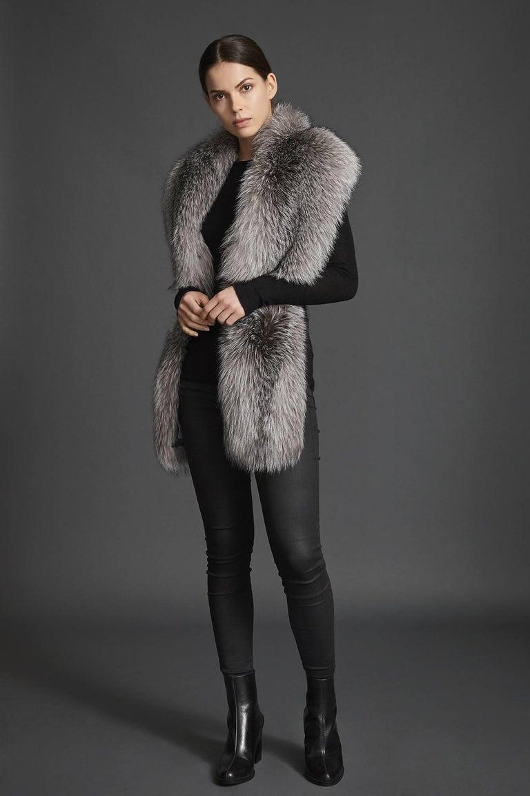 Women's or Men's Verheyen London Legacy Stole Natural Blue Frost Fox Fur & Silk Lining -Brand New For Sale