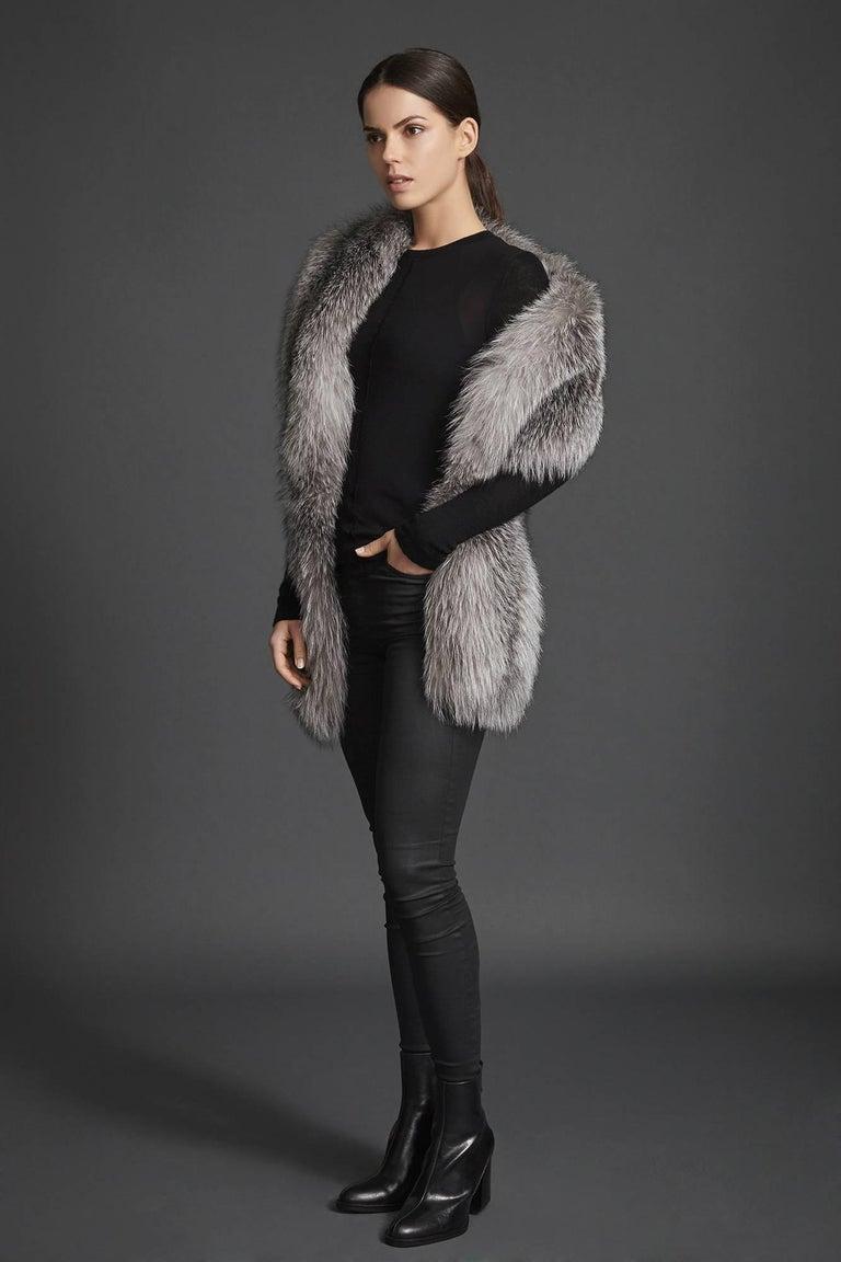 Verheyen London Legacy Stole Natural Blue Frost Fox Fur & Silk Lining -Brand New For Sale 2