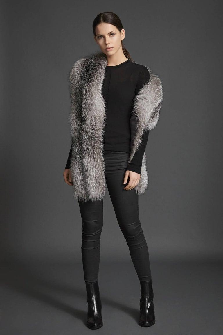 Verheyen London Legacy Stole Natural Blue Frost Fox Fur & Silk Lining -Brand New For Sale 3