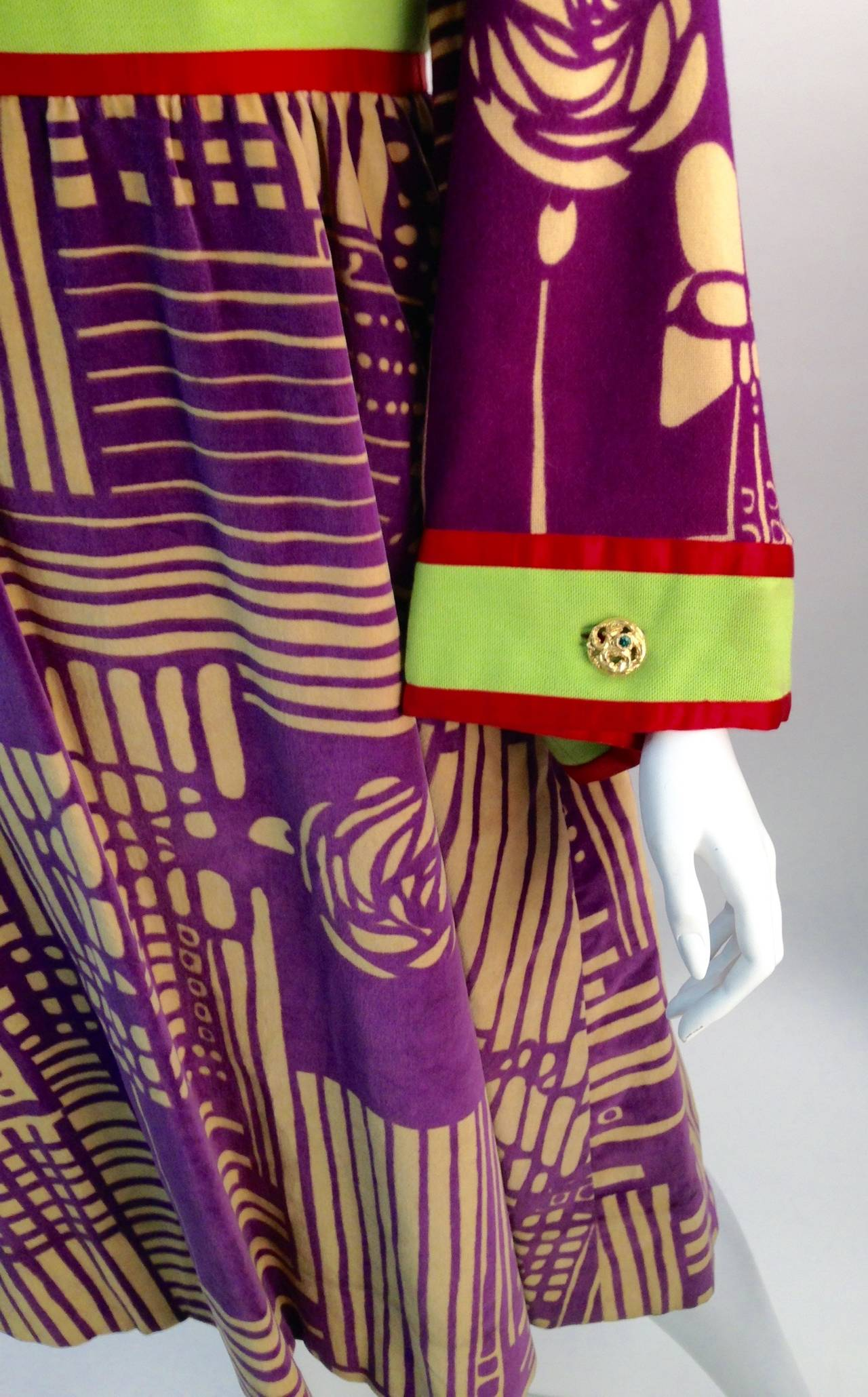1970s Ronald Amey Purple Abstract Pattern Dress In Excellent Condition For Sale In Houston, TX