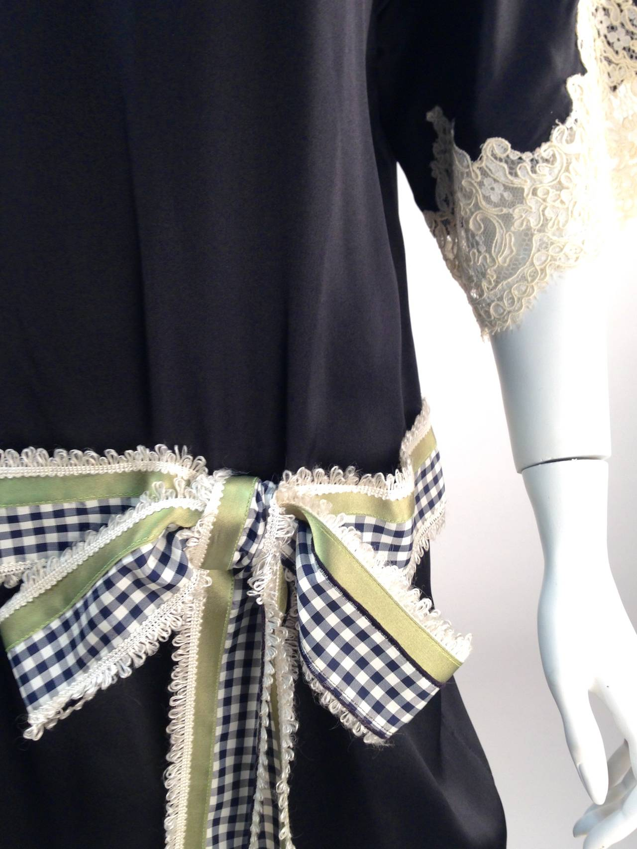 Geoffrey Beene Kimono Sleeve Shift Dress In Excellent Condition For Sale In Houston, TX