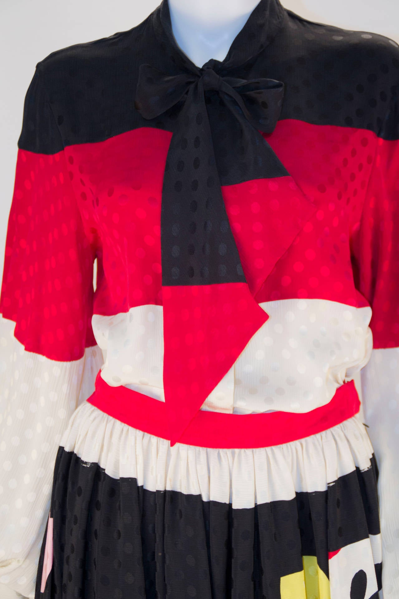 Black Michaele Vollbracht Designer Print Silk Two Piece Set For Sale