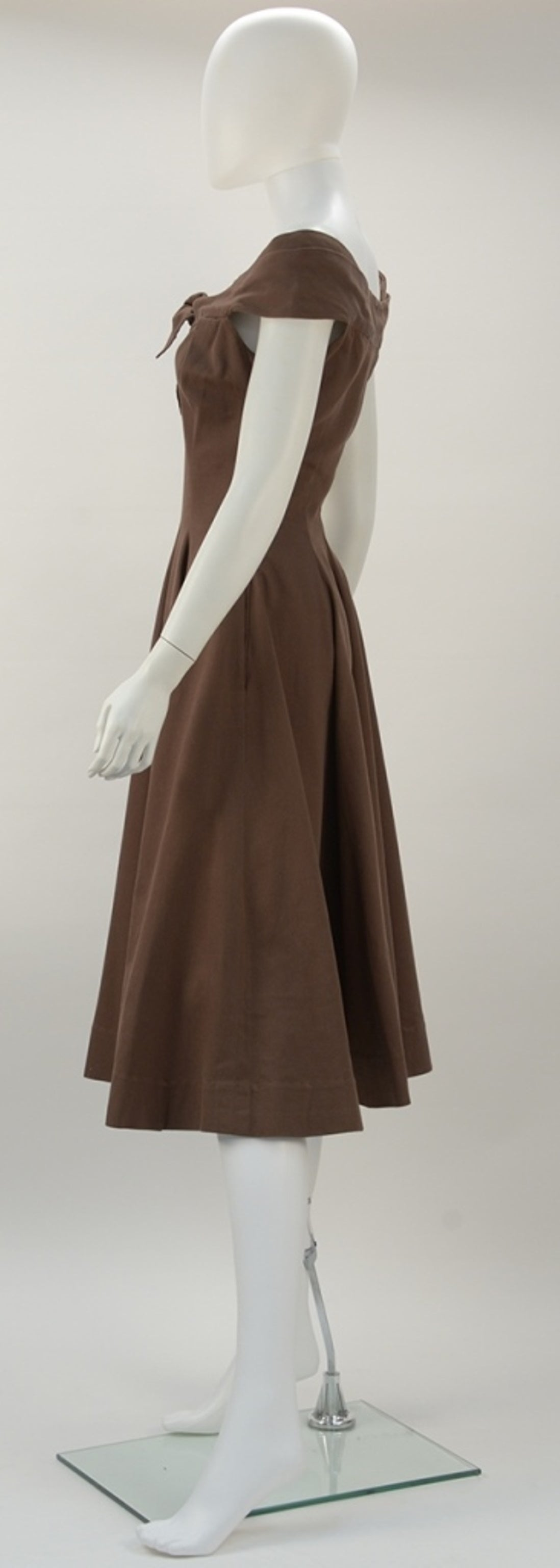 1930's Claire McCardell Brown Boatneck Dress 4