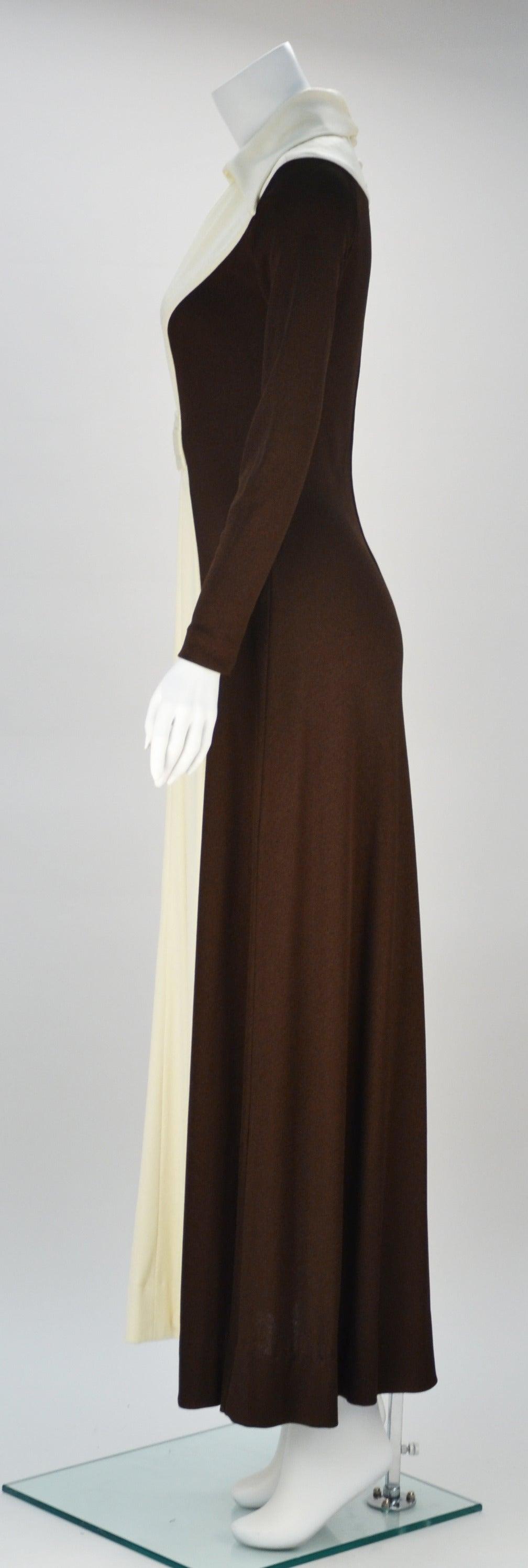 Beige 1970s Estévez Color Block Hourglass Dress For Sale