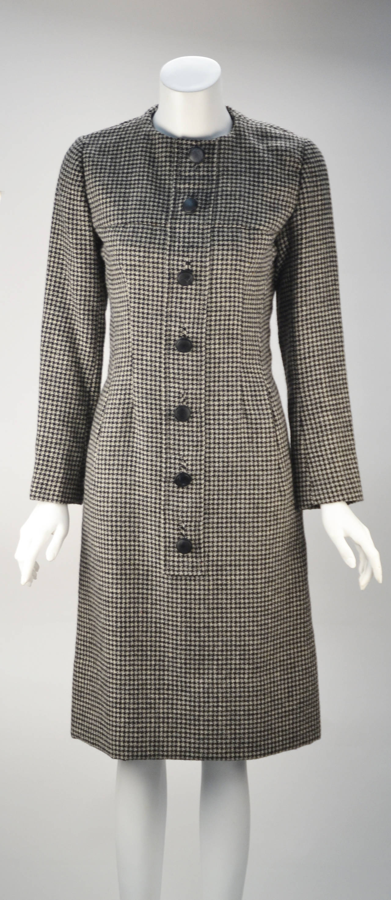 Extraordinary example of early Christian Dior's work is quite extraordinary. The New York label was made in America for the American market based on the runway designs and used many Couture standards known to some as Demi-Couture. Excellent, museum