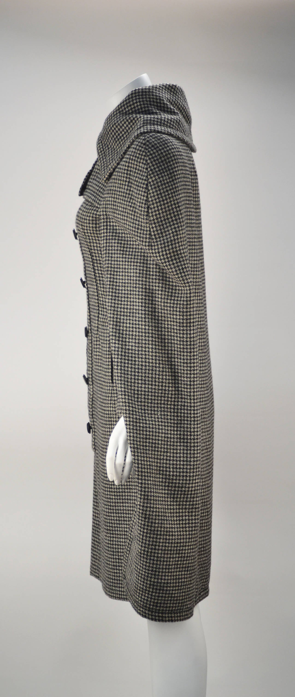 Gray 1950s Christian Dior Houndstooth Designer Cape and Dress Set For Sale