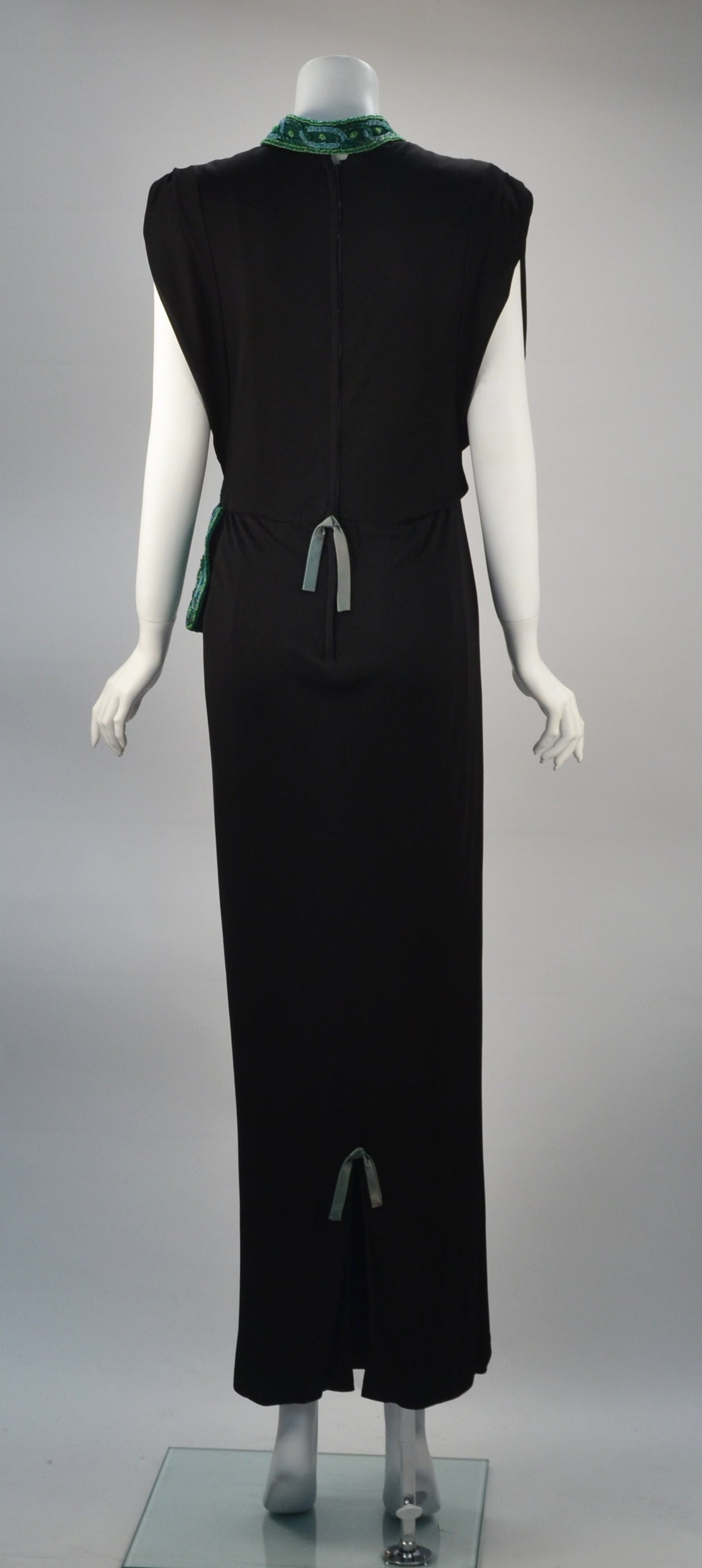 1940s Anita Modes Black Dress with Green Beaded and Appliquéd Purse In Good Condition In Houston, TX