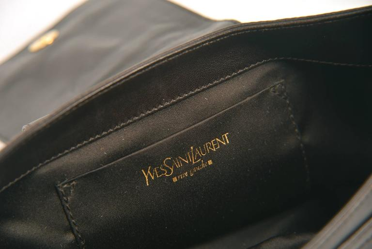 Yves Saint Laurent Vintage Chocolate Brown Leather Baguette Purse In Good Condition For Sale In Houston, TX