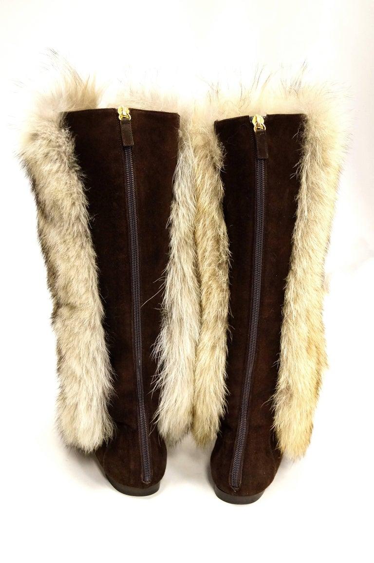 Women's Oscar de la Renta Blonde Fox Fur and Brown Suede Boots For Sale