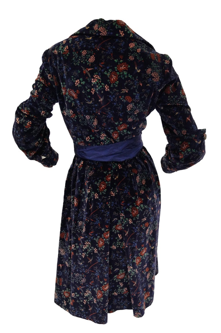 1970s Mollie Parnis Boutique Purple Velvet Dark Floral Dress For Sale 1