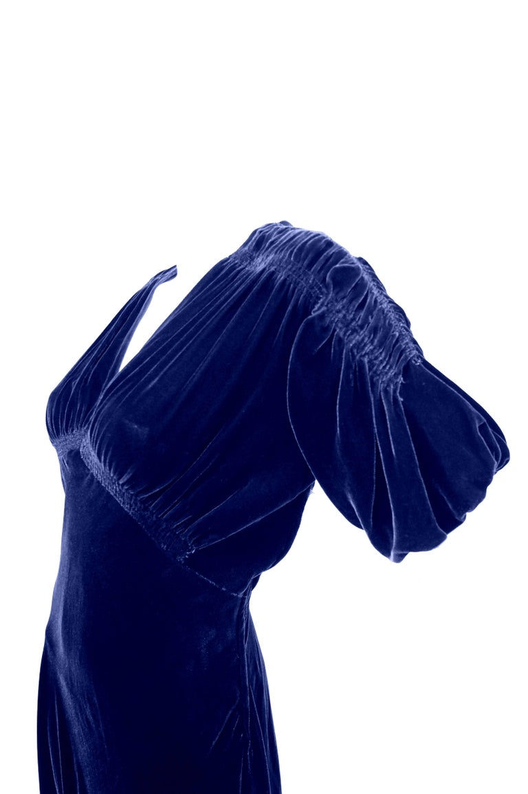 1930s Bias Cut Deep Cobalt Velvet Evening Dress In Excellent Condition For Sale In Houston, TX