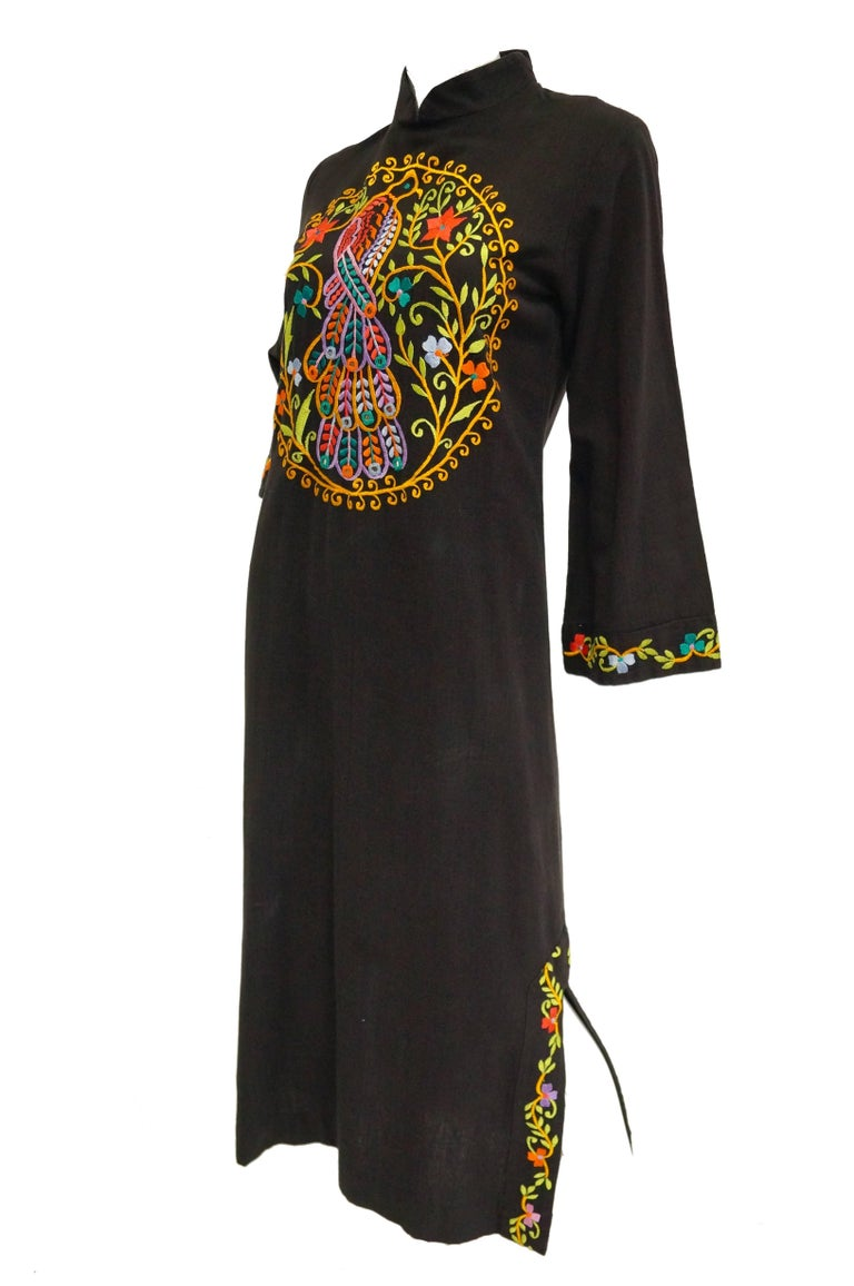 1960s Ramona Rull Peacock Embroidered Caftan In Excellent Condition For Sale In Houston, TX