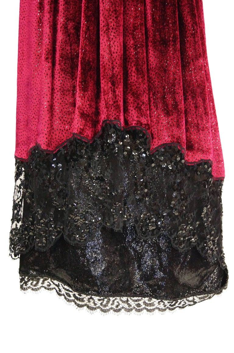 Women's  1980s Geoffrey Beene Black and Red Sequin, Lace, and Velvet Evening Dress 2 For Sale