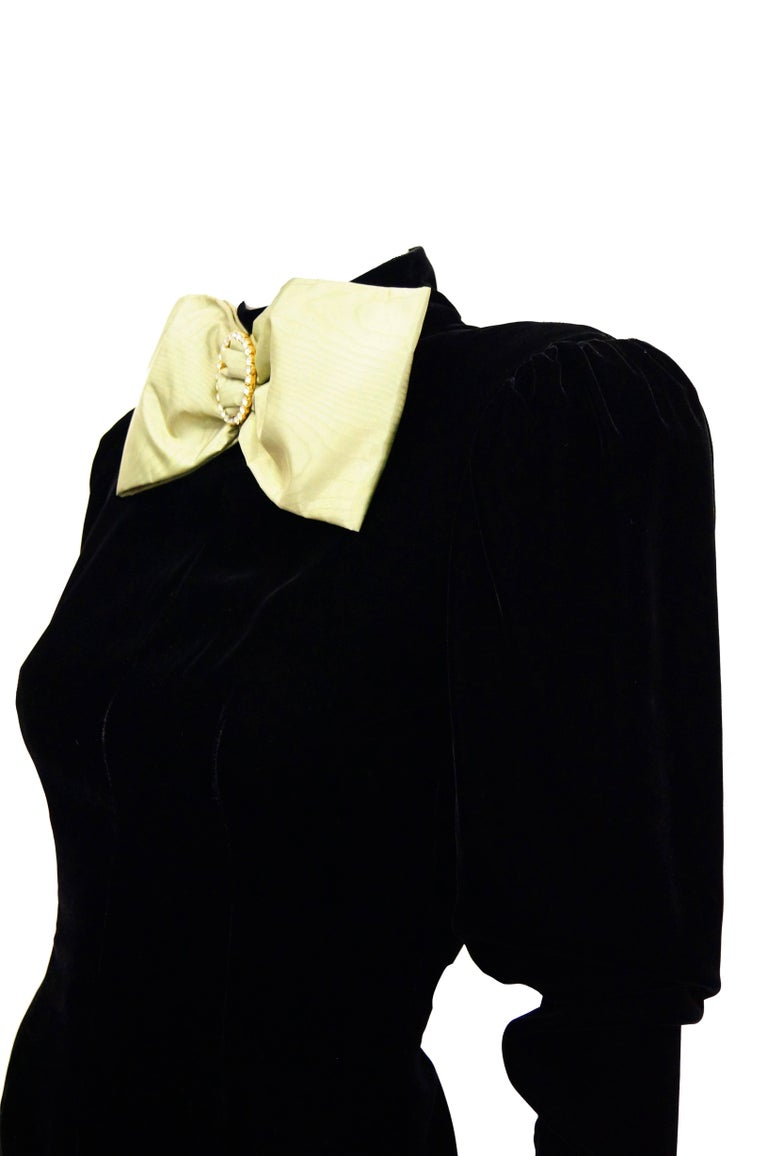 Women's Givenchy Black Velvet and Green Taffeta Silk Bow Evening Dress, 1980s  For Sale