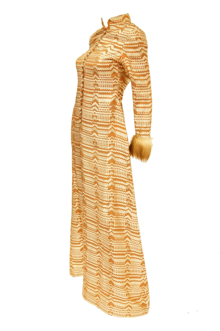 Oscar de la Renta Couture Gold Evening Dress with Fur Cuffs, 1970s  In Excellent Condition For Sale In Houston, TX