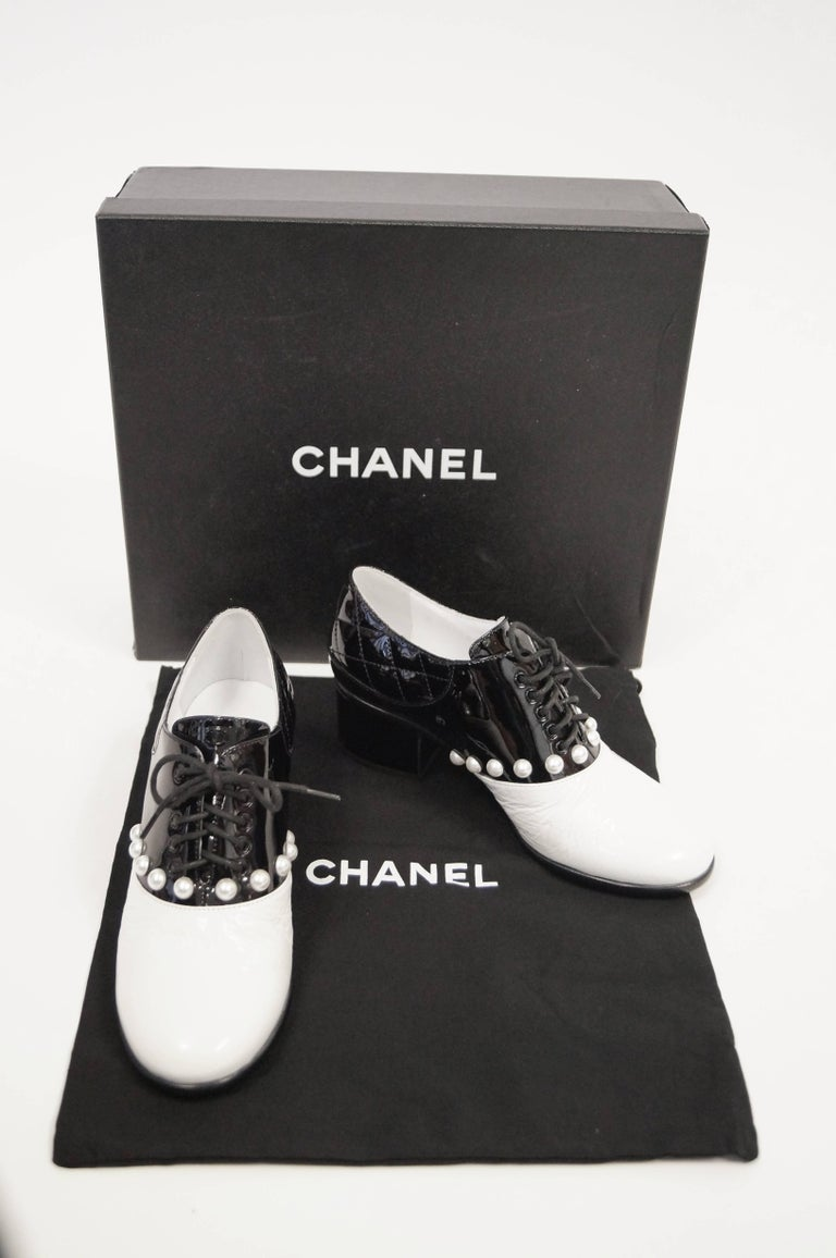 Chanel Black and White Patent Leather Pearl Oxfords, 2014  For Sale 7