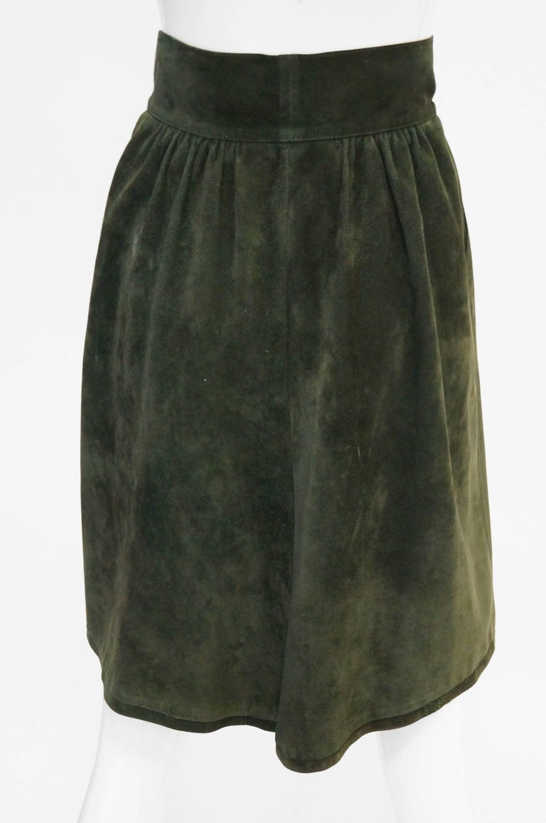 Mario Valentino Pine Green Italian Suede Skirt, 1970s  In Excellent Condition For Sale In Houston, TX