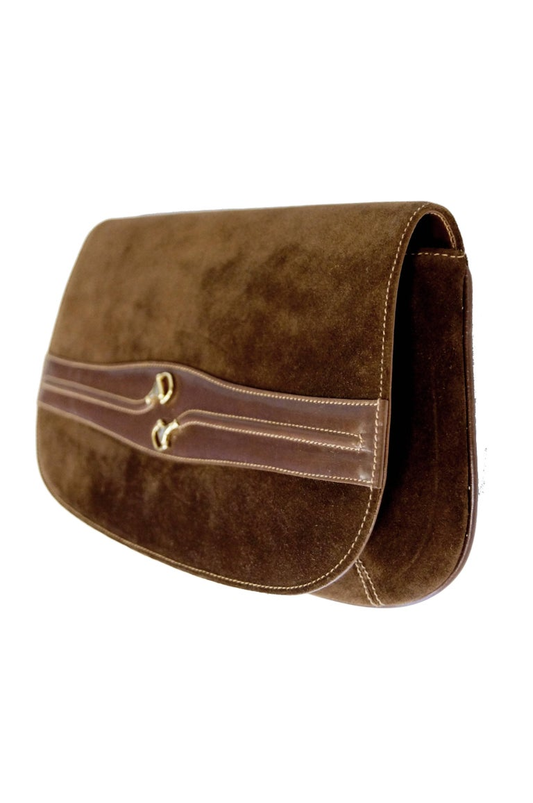 Iconic 1970s Gucci Brown Italian Suede and Leather Clutch In Excellent Condition For Sale In Houston, TX