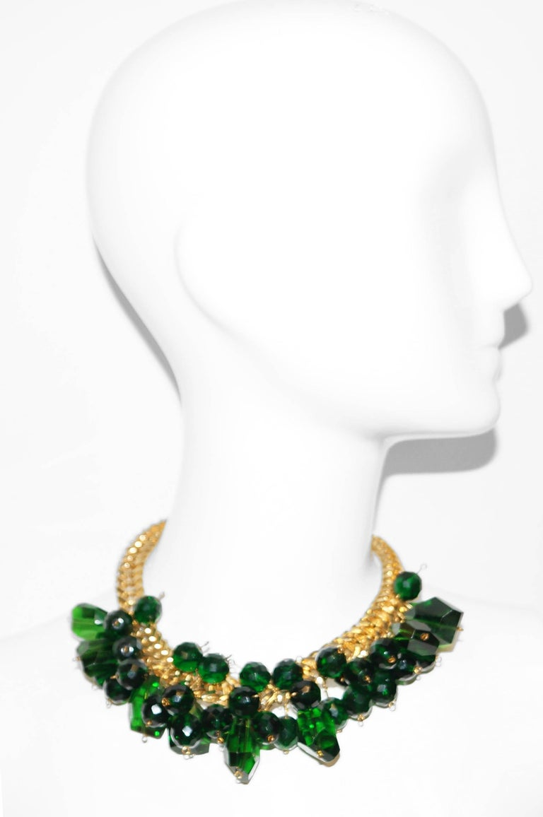 1960s Accessocraft Green Cut Glass Cluster Necklace In Excellent Condition For Sale In Houston, TX