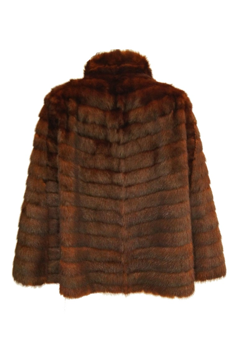 1940s Arnold Liebes Feathered Mink Cape w/ Bakelite Details & Silk Lining For Sale 1