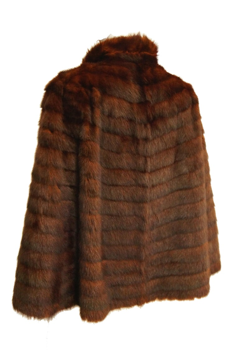 Women's or Men's 1940s Arnold Liebes Feathered Mink Cape w/ Bakelite Details & Silk Lining For Sale