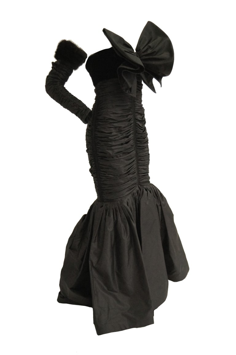 Women's  1980s Nina Ricci Couture Black Evening Dress with Sleeves For Sale