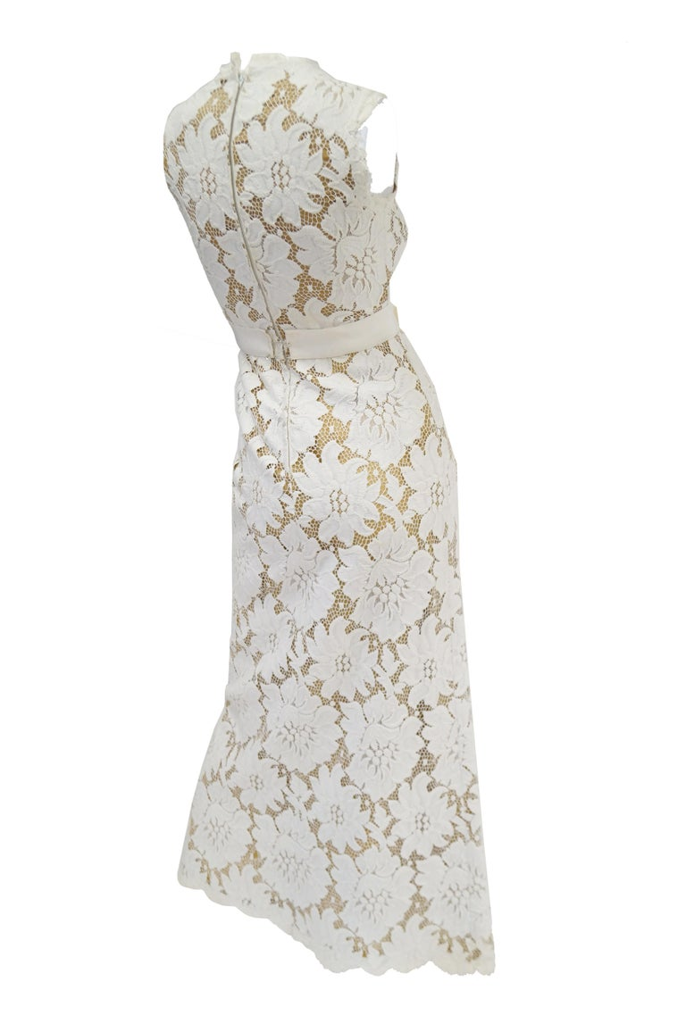 1970s White Large Scale Floral Lace Dress  For Sale 1
