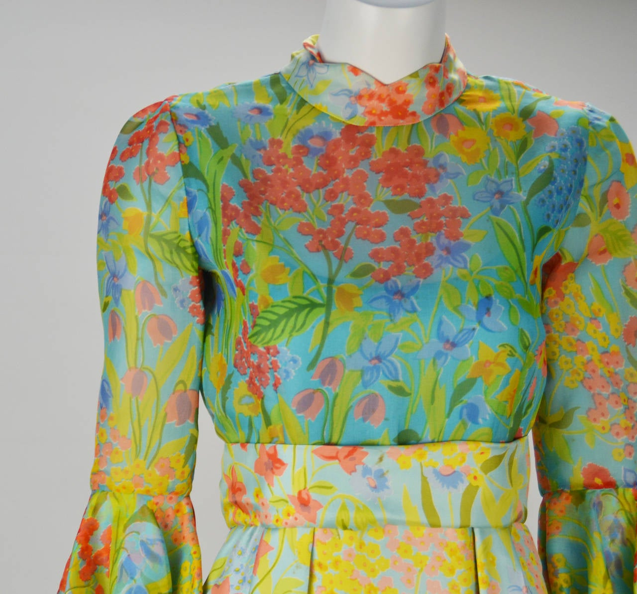 1960s Tina Leser Original Floral Print Dress In Good Condition For Sale In Houston, TX