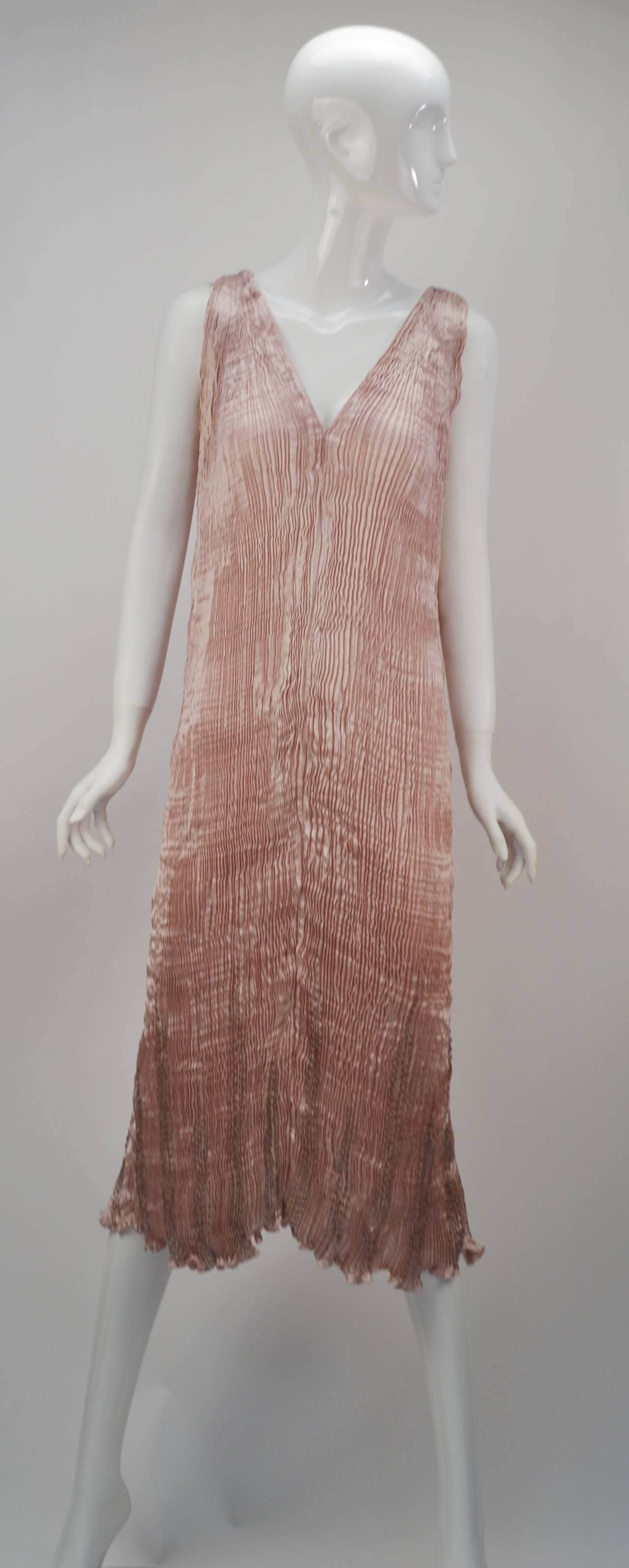 1980s Patricia Lester Pink Champagne Silk Ensemble In Excellent Condition For Sale In Houston, TX