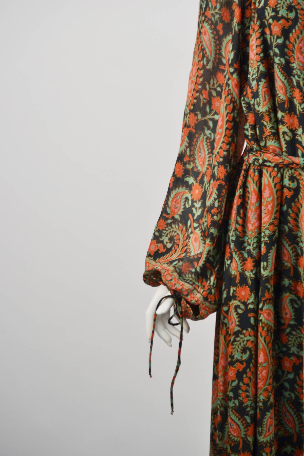 1970s Treacy Lowe Paisley Peasant Dress In Excellent Condition For Sale In Houston, TX