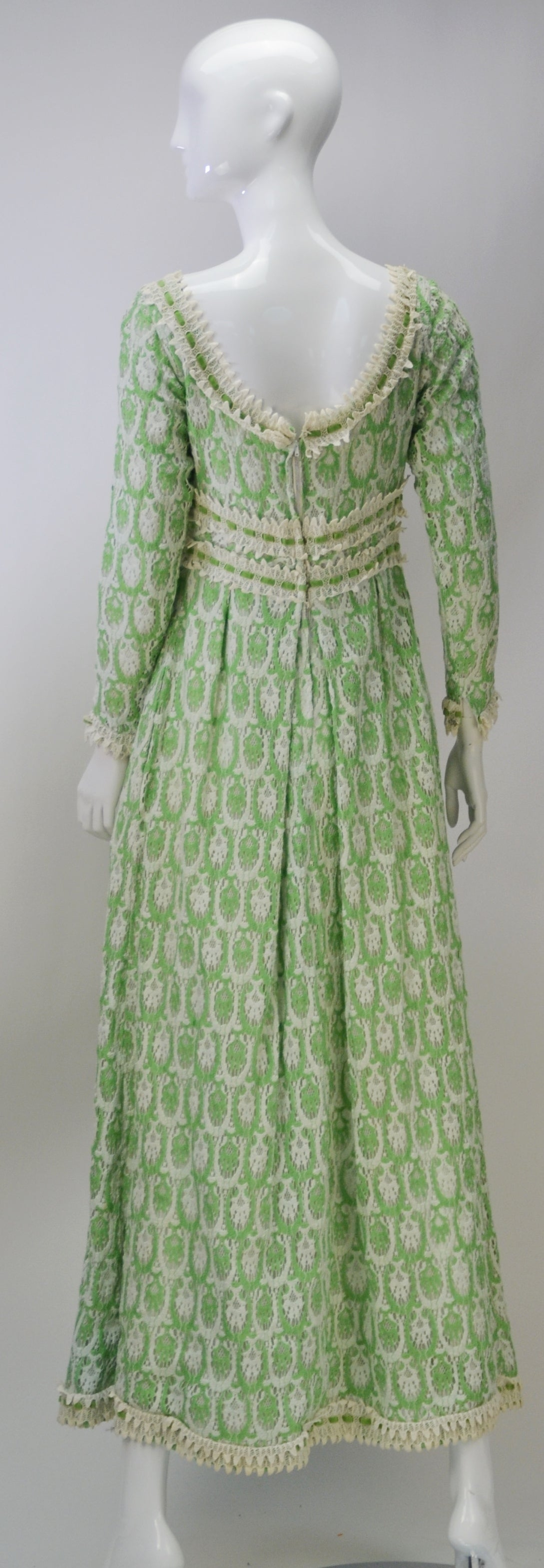 Gray 1970s Lillie Rubin Green and White Lace Dress For Sale
