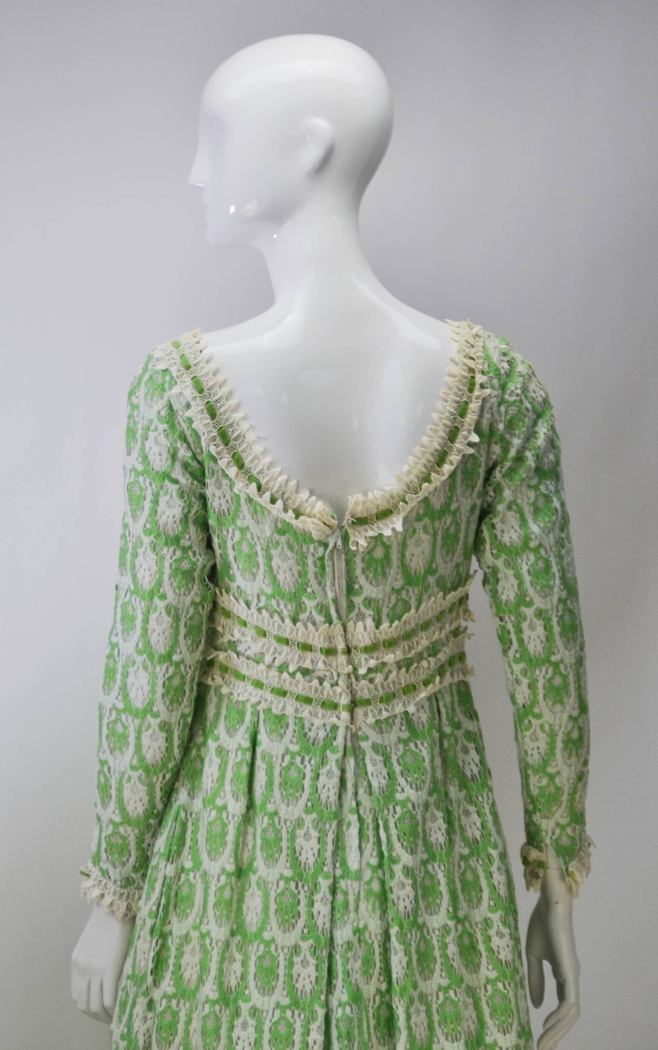 Women's 1970s Lillie Rubin Green and White Lace Dress For Sale