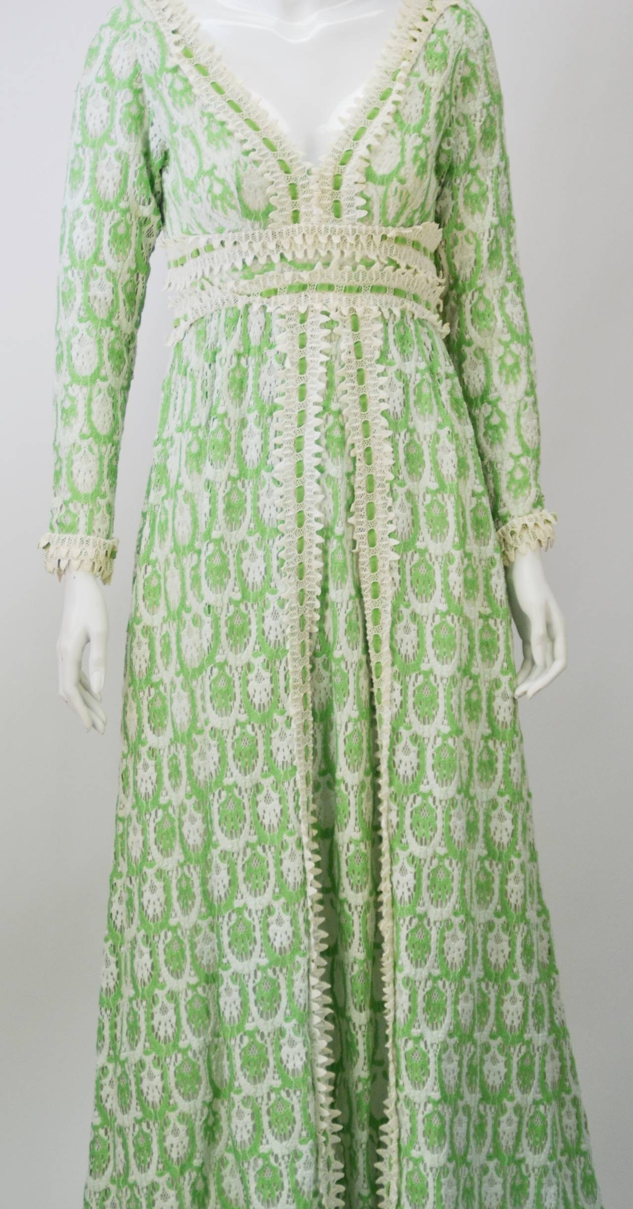 1970s Lillie Rubin Green and White Lace Dress In Good Condition For Sale In Houston, TX