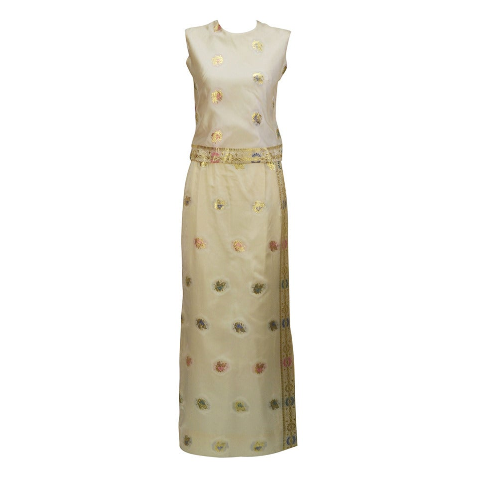 1960s Asian Inspired Silk and Gold Motif Ensemble