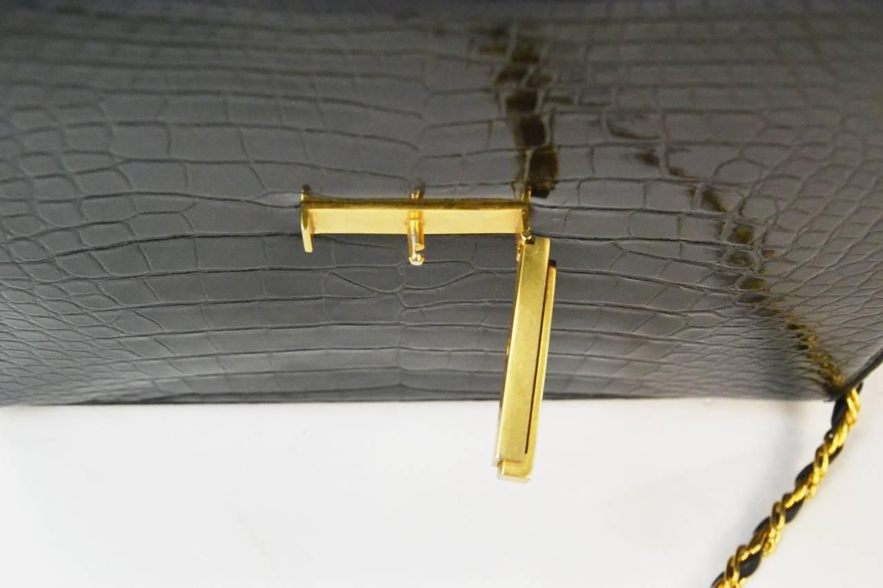 Women's Lucille de Paris Alligator Handbag with Gold Tone Metal Hardware For Sale